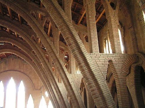 Pinell_de_brai__interior_del_celler